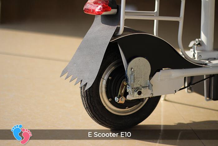 Xe điện E-scooter mini E10 bánh 10 inch 19